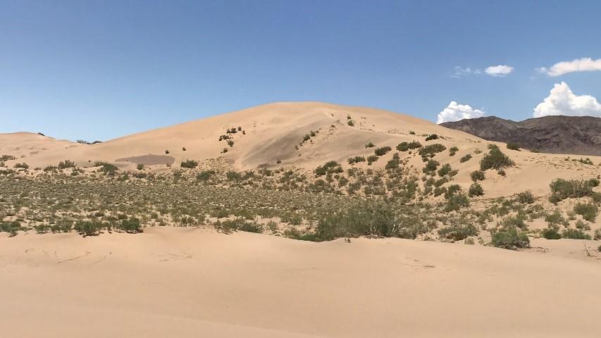 Поющий бархан в Казахстане