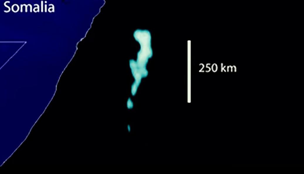 Таинственное явление светящегося моря, которое замечали даже с космоса - феномен молочного моря