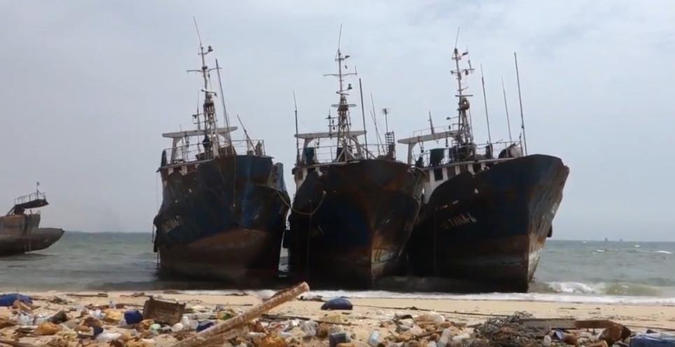 Корабли в пустыне Мавритании у Нуадибу