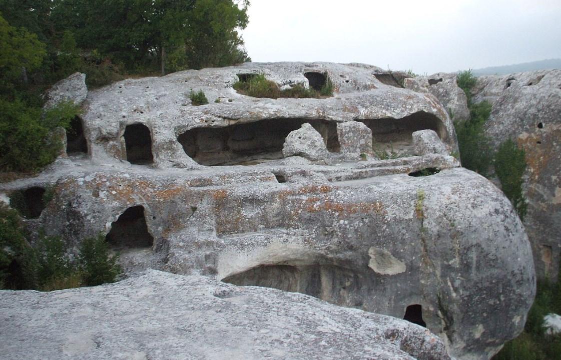Древние пещерные сооружения в Крыму, основателями которых считаются византийцы - Эски-Кермен