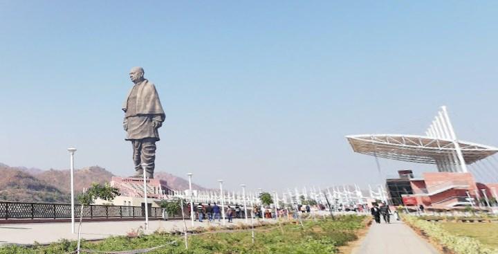 Самая высокая статуя на планете, которую неплохо видно из космоса - Статуя Единства в Индии