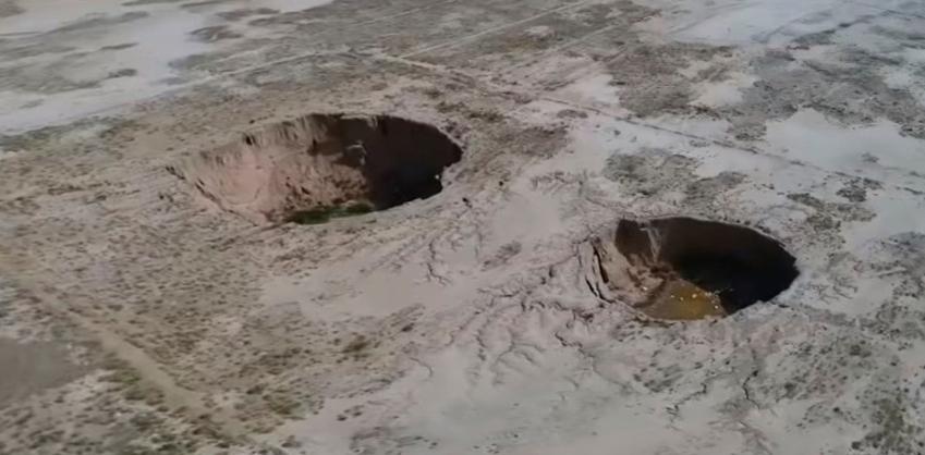 Гигантские ямы и трещины стали внезапно появляться в Иране с угрожающей частотой
