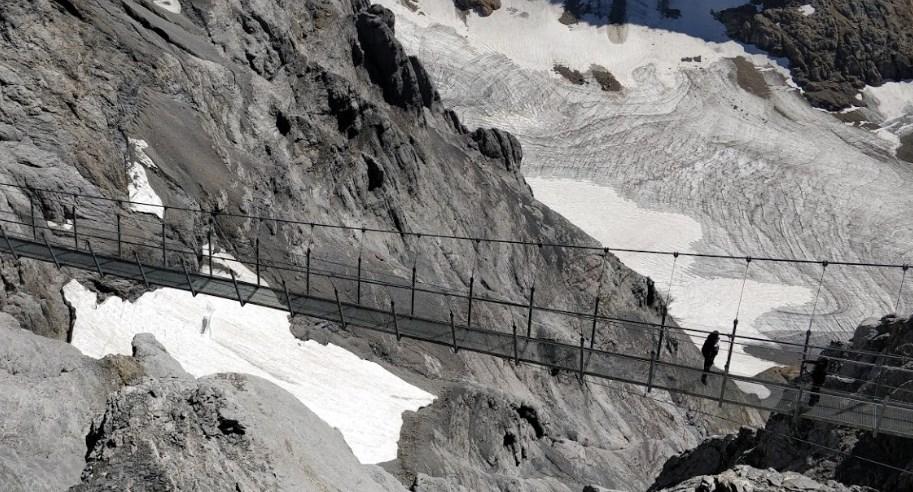 Мост Титлис на высоте более 3000 метров над уровнем моря: когда смотришь на Альпы сверху вниз