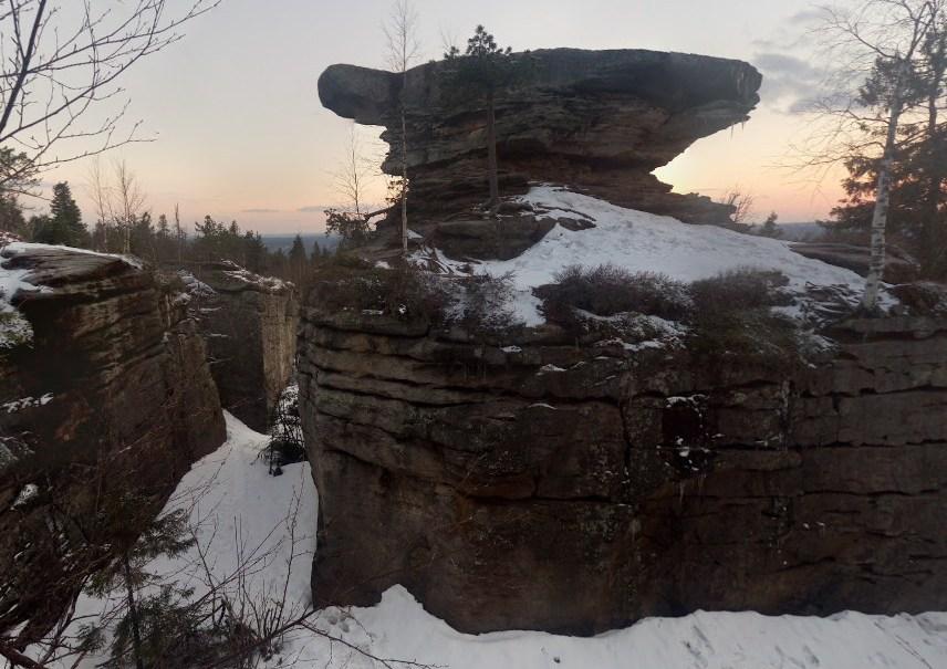 Каменный город в Пермском крае, который напоминает окаменевшее городище или древний лабиринт