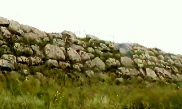 Краснодонская стена