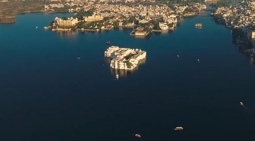 Наследие прошлых веков — плавающие дворцы Индии