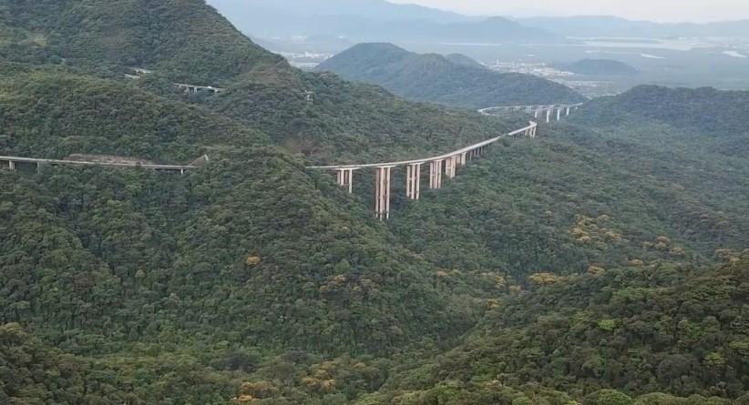 Дорога над джунглями - шоссе Иммигрантов в Бразилии
