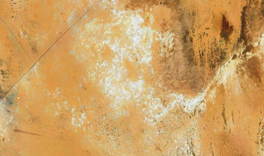 Это не снег в пустыне и не мираж - это Белая пустыня в труднодоступном уголке Сахары