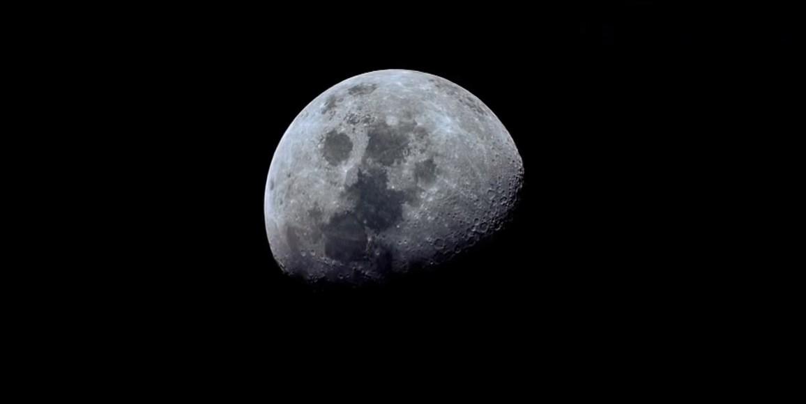 Учёные предлагают искать на Луне следы ранней земной жизни