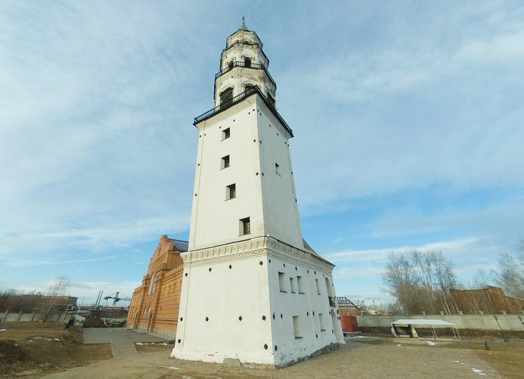 Башня на Урале, которая «падает» несколько веков и хранит тайны своего назначения - Невьянская башня