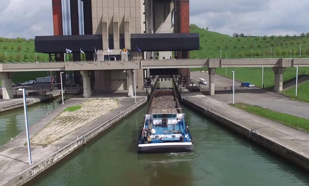 Гигантский лифт для кораблей, судоподъёмник Стрепи-Тьё
