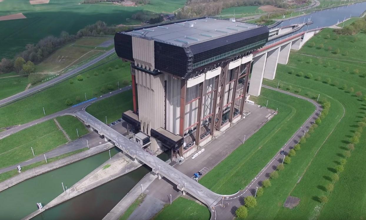 Гигантский лифт для кораблей, который поднимает суда на 73,15 метра - судоподъёмник Стрепи-Тьё