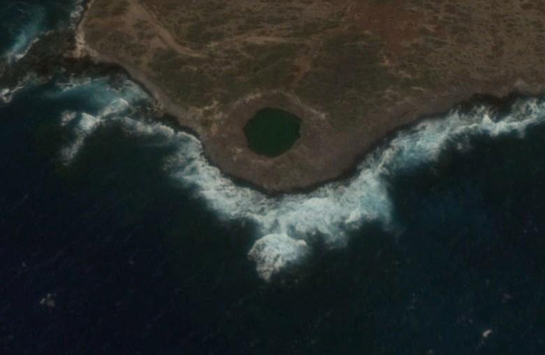 Место, где взорвали 500 тонн тротила для моделирования атомного взрыва - операция «Sailor Hat»