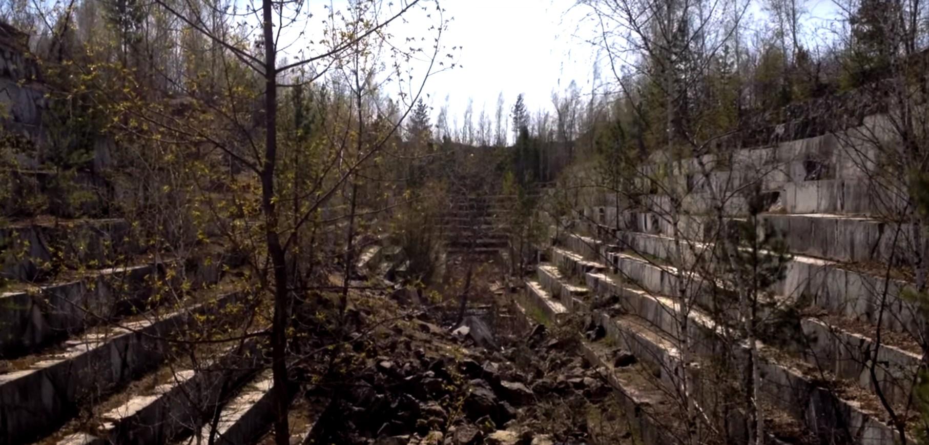 Это не античный амфитеатр в Сибири, а заброшенный мраморный карьер в Новосибирской области