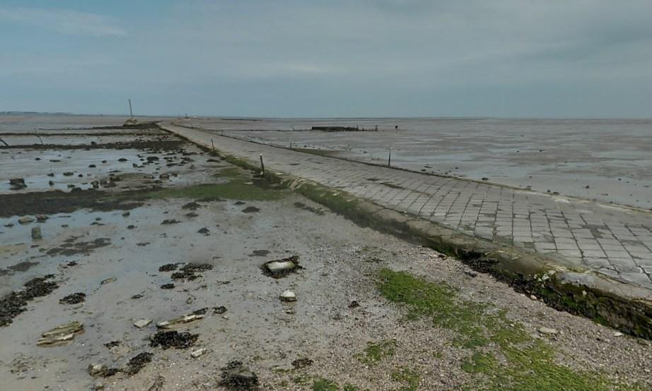 Автомобильная дорога, которая уходит в морскую пучину - Пассаж дю Гуа