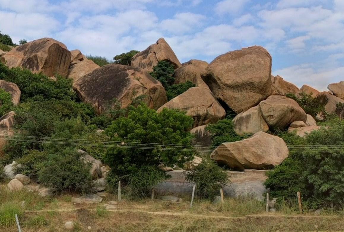 Удивительные мегалиты на месте древней и величественной Виджаянагарской империи - Хампи