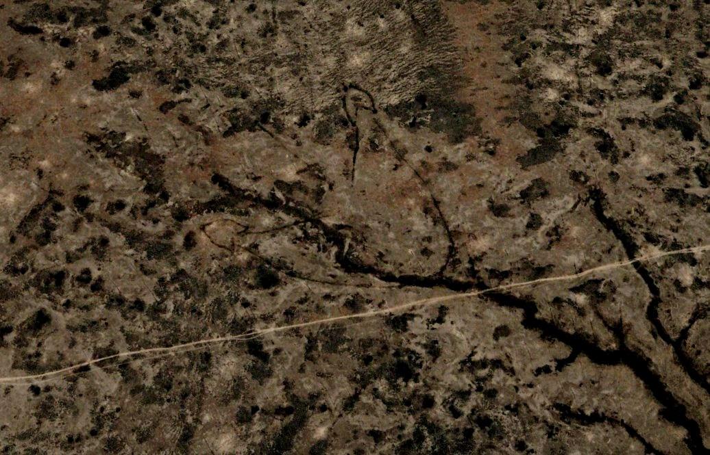 Гигантские стрелки, словно нарисованные неизвестным великаном на поверхности Земли между Каспийским и Аральским морями