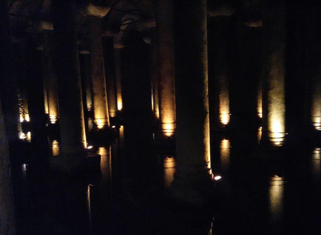 Огромный древний комплекс под землёй - Цистерна Базилика