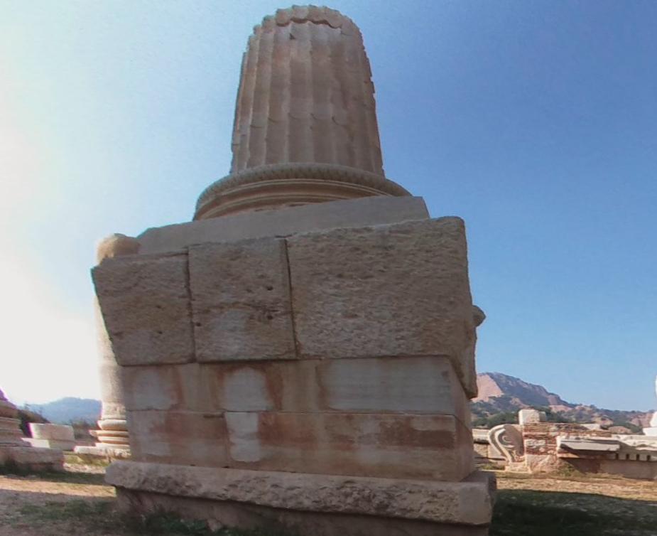 Храм Артемиды, украшавший когда-то богатую столицу могучей Лидии