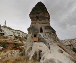 Квартиры прямо в скалах, вырубленные тысячи лет назад — диковинная Каппадокия