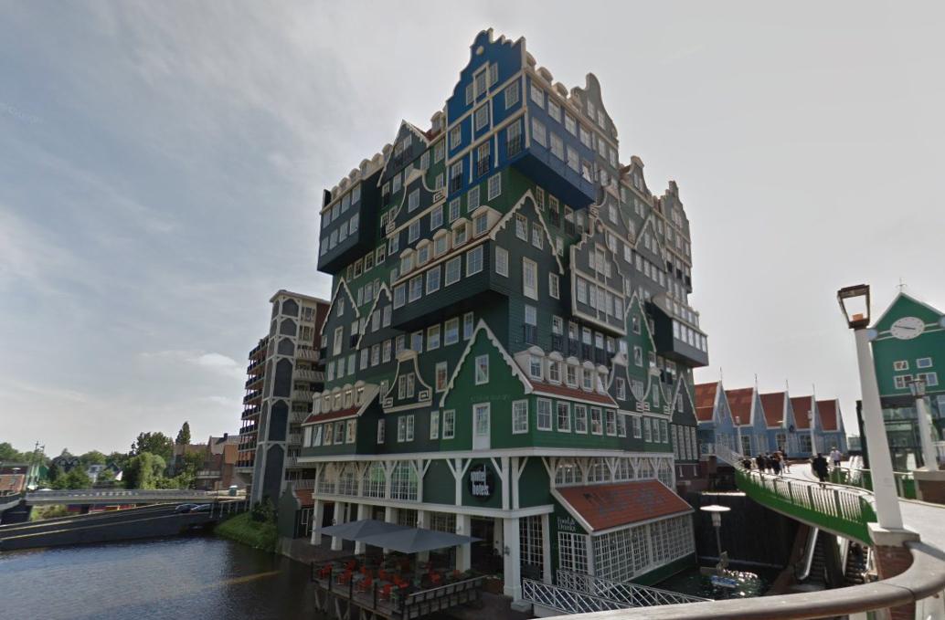 Сказочно, уютно и немного мультяшно - необычный отель в Голландии недалеко от домика Петра I
