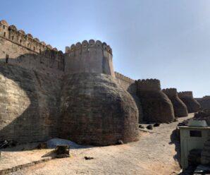 700 древних бастионов, 38 км — древняя индийская стена Кумбхалгарха, которая уступает лишь Великой Китайской Стене