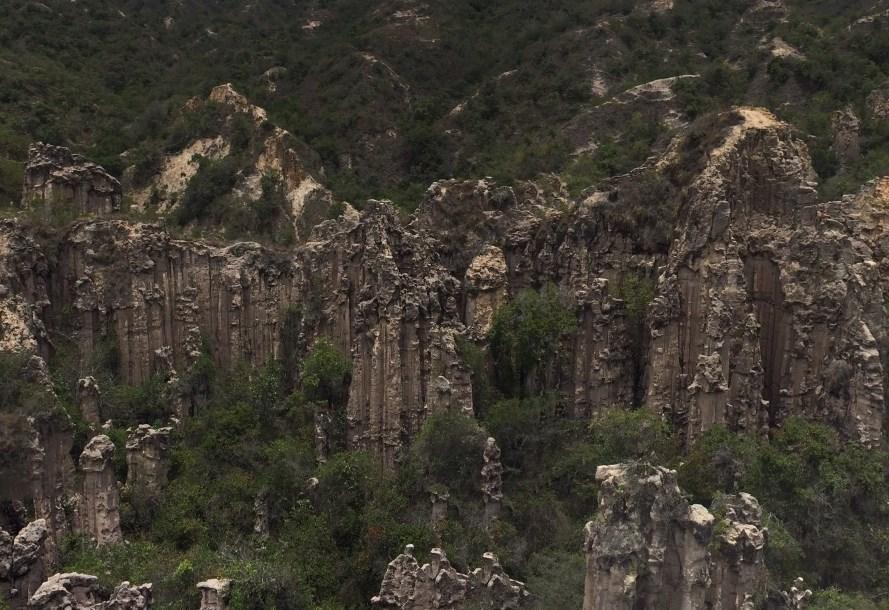 Гигантские столбы, созданные природой - Лос Эсторакес