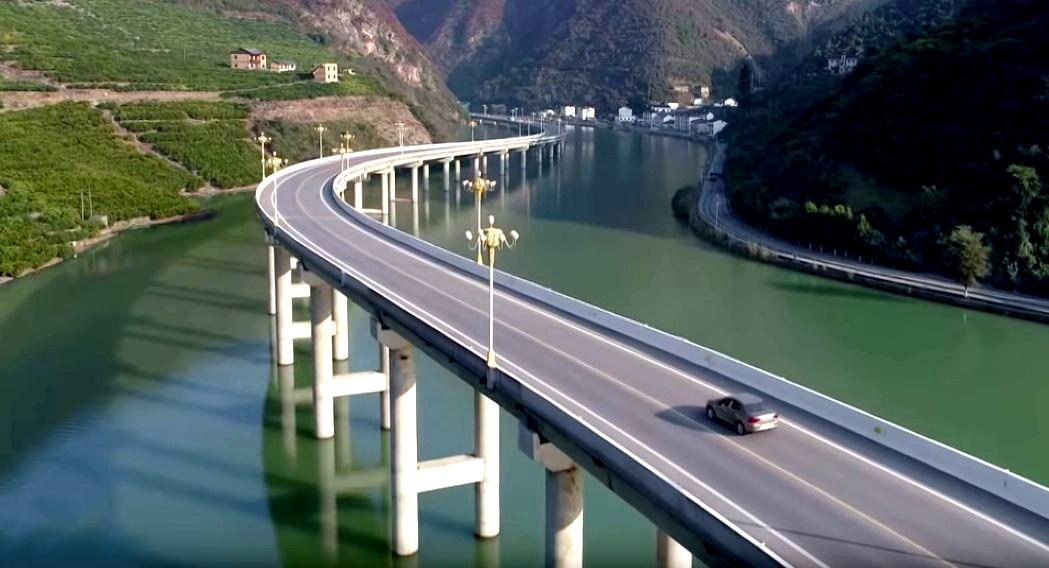 Дорога по воде или мост вдоль реки? - Экологическая магистраль в провинции Хубэй