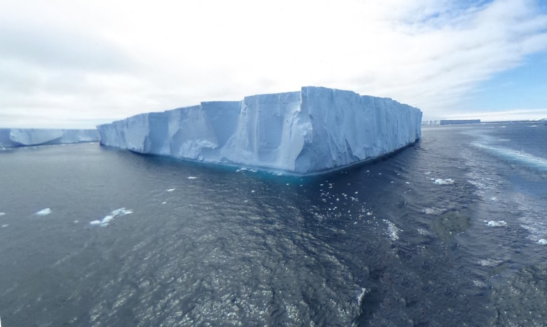 Изготовить огромный авианосец из льда - удивительный проект во время Второй мировой войны