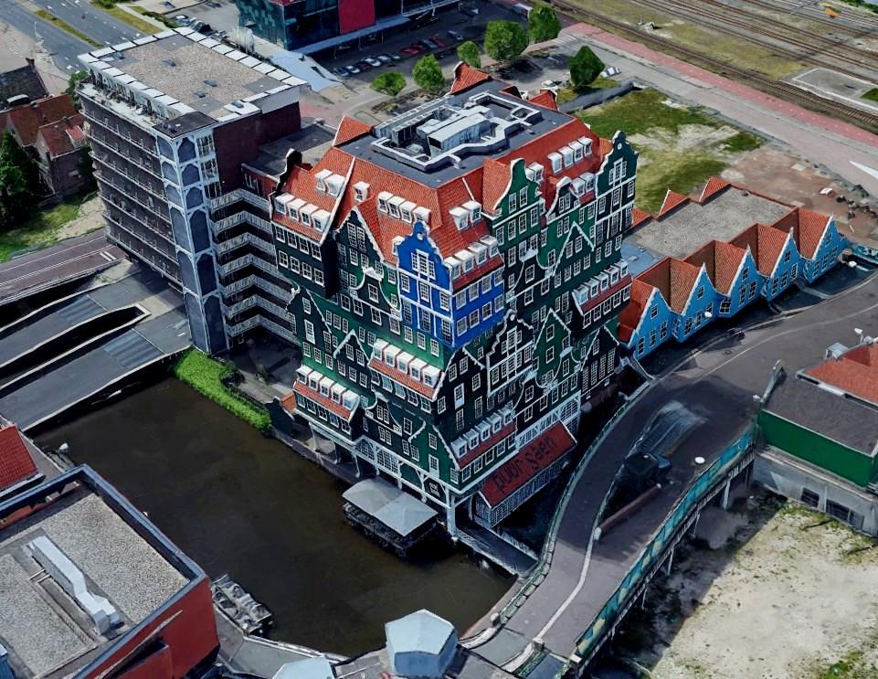необычный отель в Голландии недалеко от домика Петра I