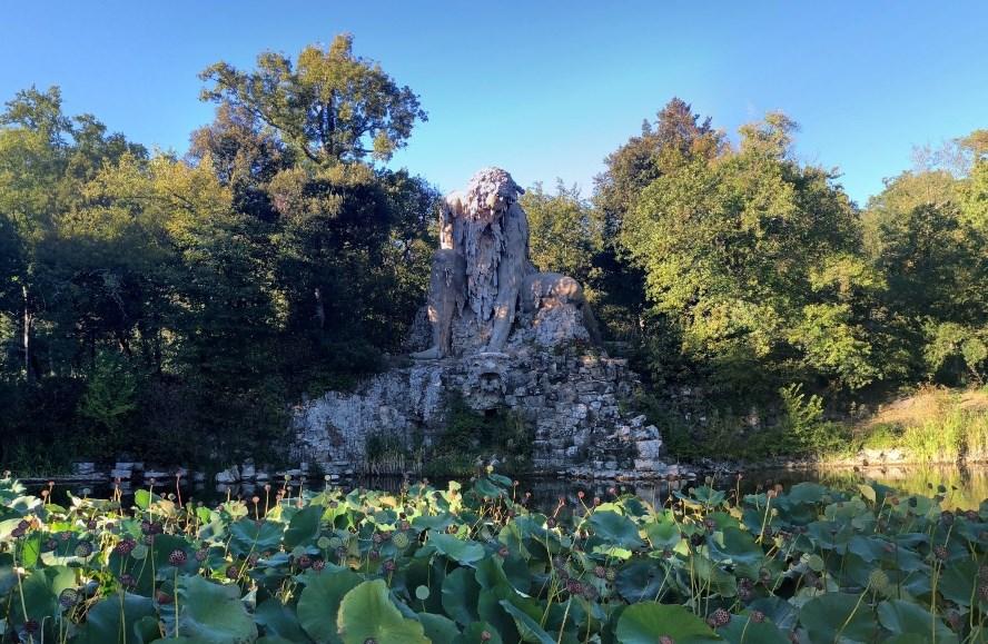 Огромный каменный великан, созданный сотни лет назад недалеко от Флоренции