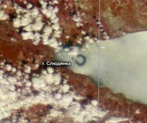 Необычные громадные круги на льду Байкала