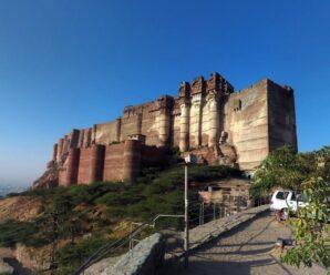 Внушительная крепость средневековья — Мехрангарх