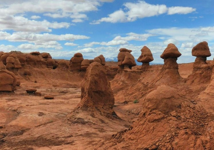 «Долина Гоблинов» - колоритный неземной пейзаж в пустыне Сан-Рафаэль
