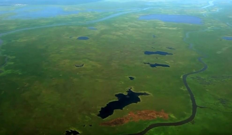 Гигантское болото Африки, в котором люди живут на маленьких островках - Судд