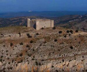 Недостроенная крепость на холме — Castell de Montgri