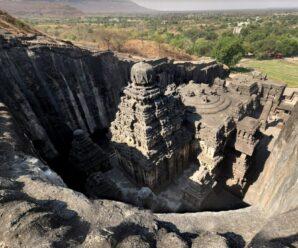 Древние сооружения, вырезанные из скал — храмы в Эллоре