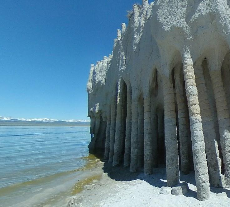 Необычные подземные колонны Кроули