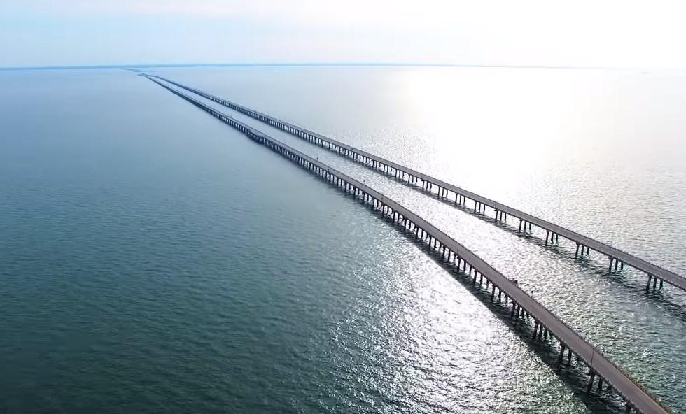 Мост, который уходит под воду