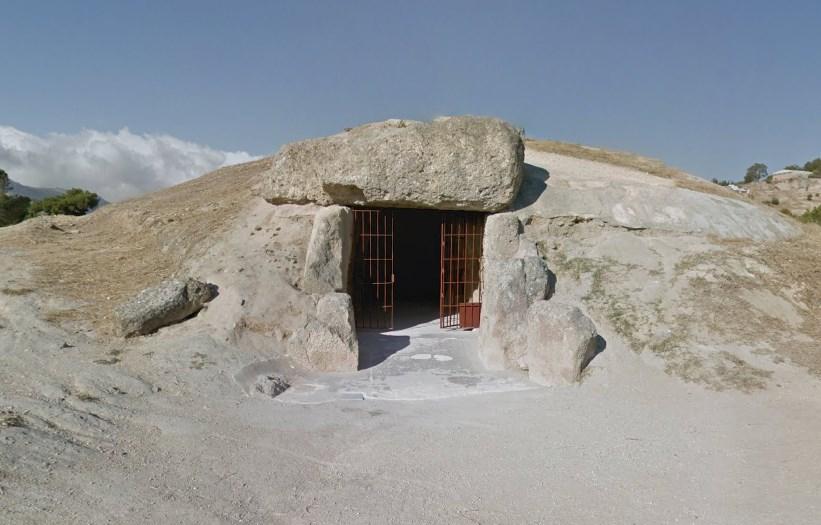 Мегалитические сооружения сохранившиеся со времён бронзового века - дольмены Антекеры