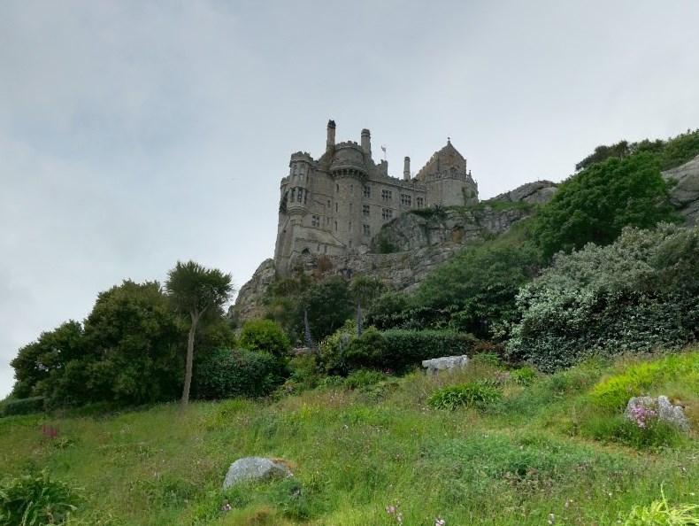 Дорога по дну моря и замок, к которому она ведет - Сент-Майклс-Маунт