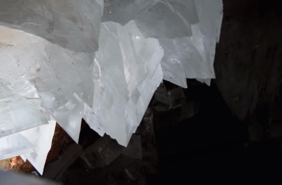 Одна из самых малоизученных и недоступных для обычных людей пещера с громадными кристаллами в Мексике