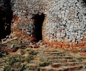 Древний город без углов в Африке, назначение которого неизвестно — Великий Зимбабве