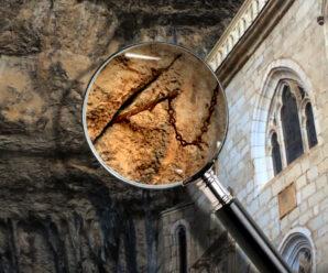 Таинственный клинок, застрявший в скале — говорят, что это легендарный Дюрандаль, меч Роланда