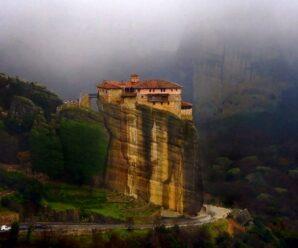 «Парящие в воздухе»: древние Метеорские монастыри на вершинах неприступных скал