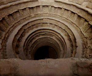 Огромный древний колодец в виде перевернутого храма, который раскопали через 700 лет — Рани-ки-Вав