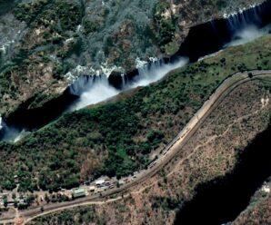 В огромную трещину Земли уходит невероятное количество воды — водопад Виктория