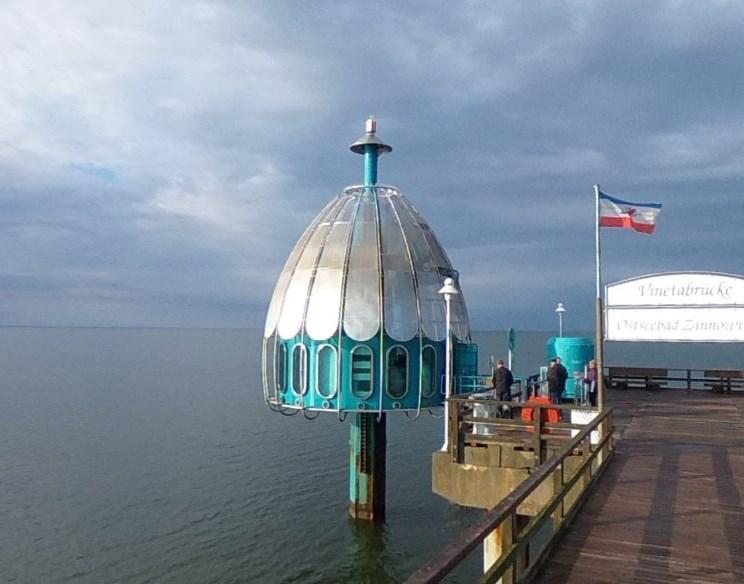 Словно лифт, уходящий под воду Балтийского моря - капсула для дайвинга на острове Узедом