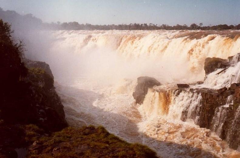 Самый мощный водопад планеты был уничтожен человеком - Гуайра