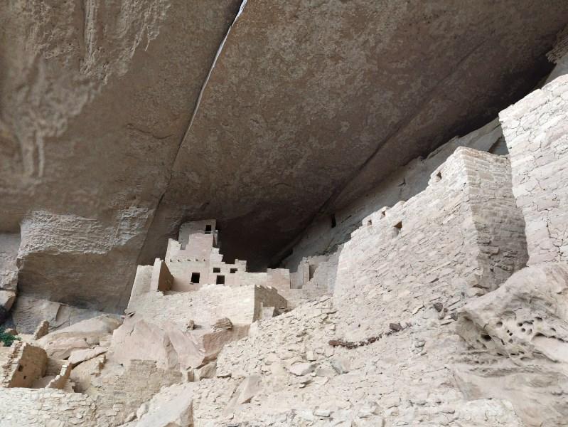 Древние города прямо под скалами - руины доисторической цивилизации анасази